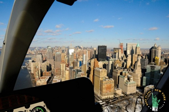 Christmas-in-NY-helicoptero-buildings