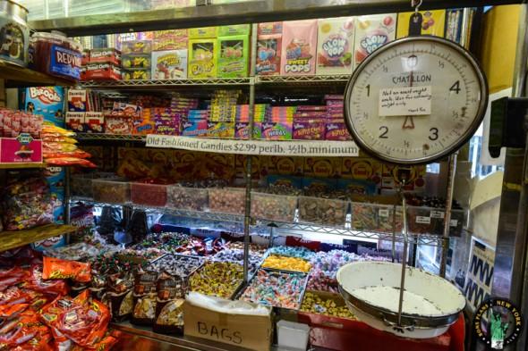 Economy Candy NY báscula