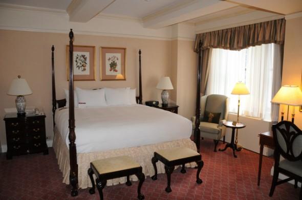 El hotel de los 5 polvos 2000 full movie - 1 part 7