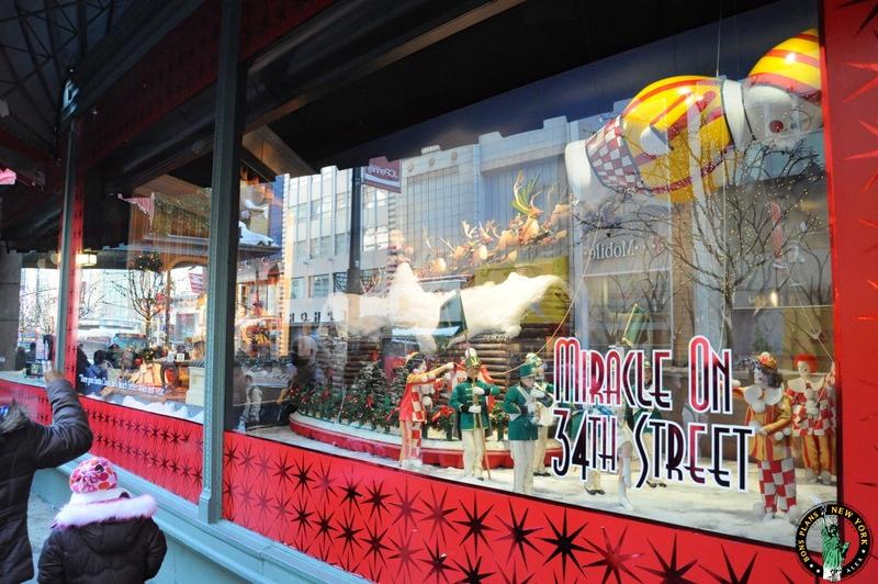 Los Escaparates De Navidad De Las Grandes Tiendas De Nueva
