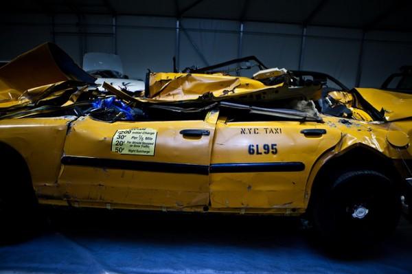 museum-memorial-9-11-5-taxi aplastado