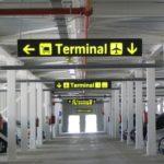 ¿Dónde dejar el coche en el aeropuerto?