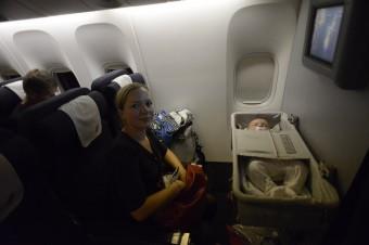 bebé en el avión MPVNY