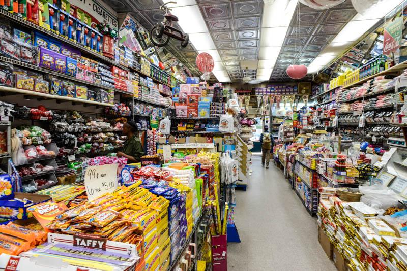 ebdf5cd734d9 Economy Candy la tienda de caramelos de Nueva York