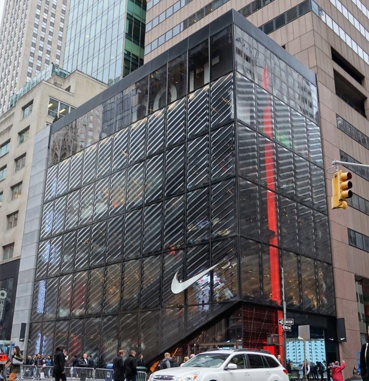 también victoria Equipar  La nueva tienda Nike House of Innovation en Nueva York