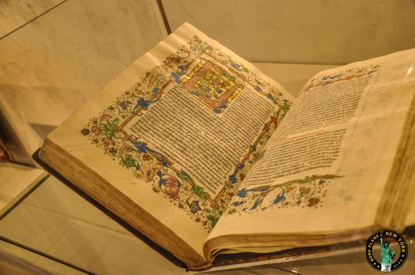 The Cloister NY libro