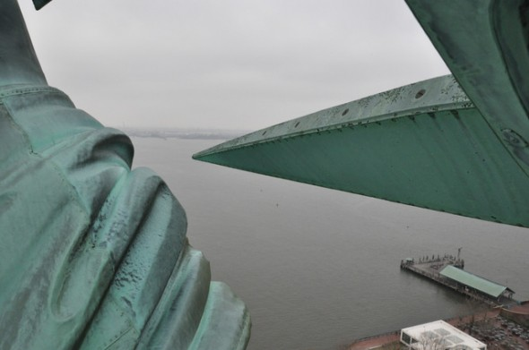 vista desde la corona de la Estatua de la Libertad