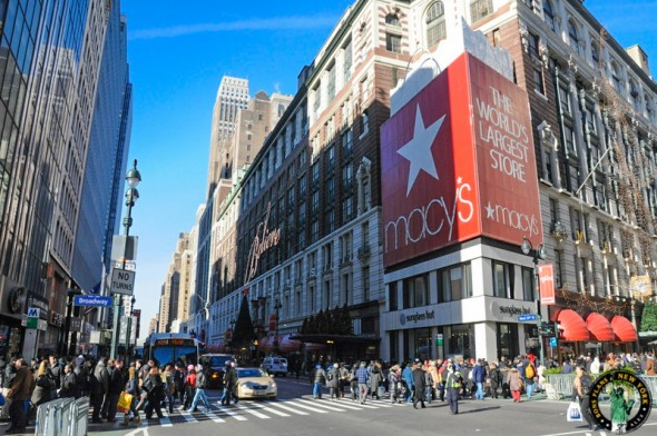 Apr 01,  · TORONTO/NEW YORK (Reuters) - Retailer Hudson's Bay Co on Sunday disclosed that it was the victim of a security breach that compromised data on payment cards used at Saks and Lord & Taylor .