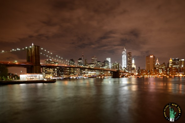 brooklyn bridge park new york carusel noche