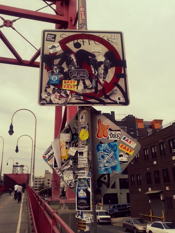 stickers puente williamsburg MPVNY