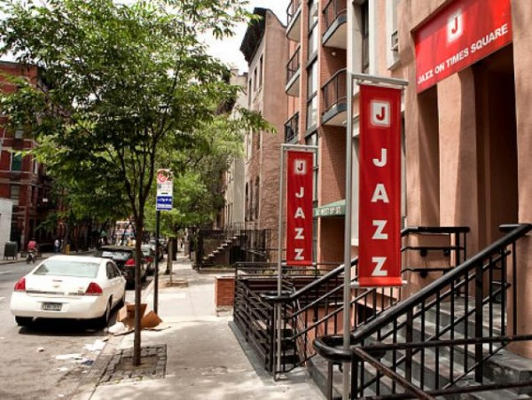 jazz on times square hostel NY