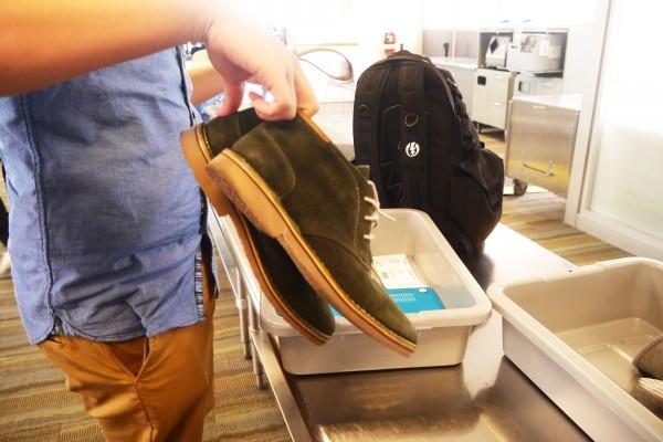 control de zapatos aeropuerto