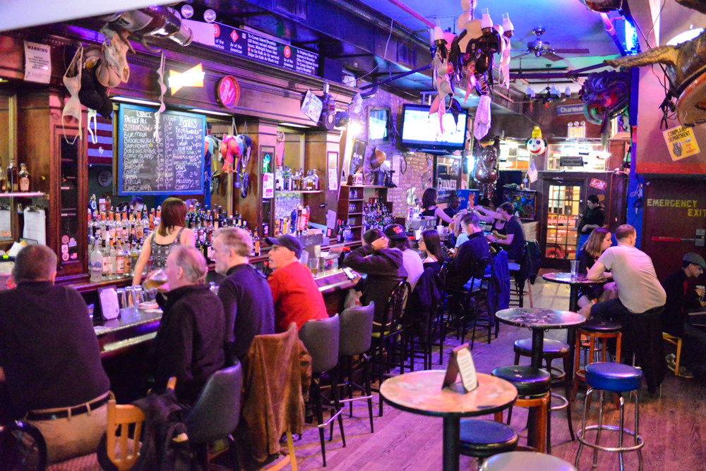 The patriot saloon un bar americano t pico al sur de for Bar americano nyc